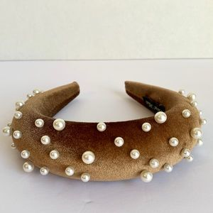 Brown Velvet Rounded Headband with Pearls